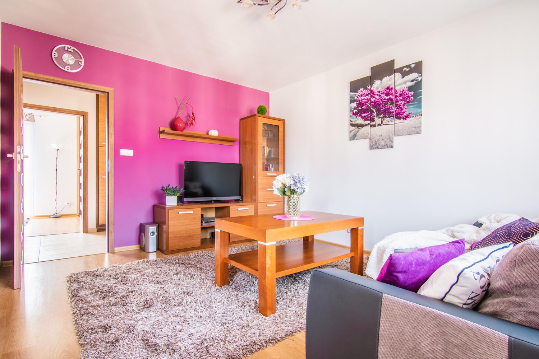 Komfortowe  dwupokojowe mieszkanie w Kielanówce.