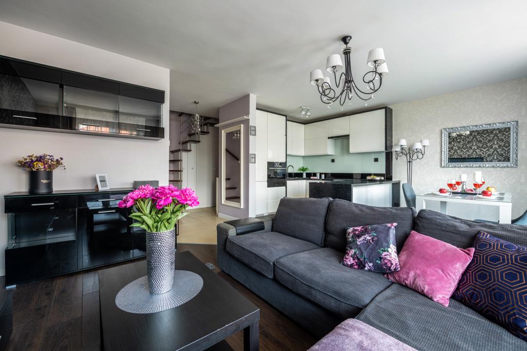 Atrakcyjne 2-poziomowe mieszkanie w stylu glamour!